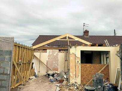 Setting out roof trusses