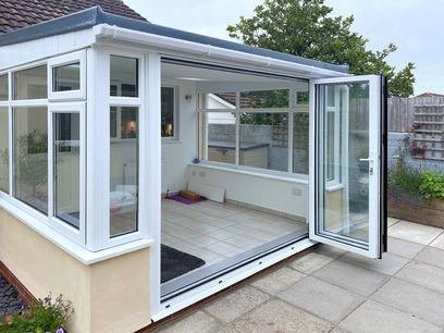 Shared indoor and outdoor floor space. Conservatory. Barnstaple North Devon